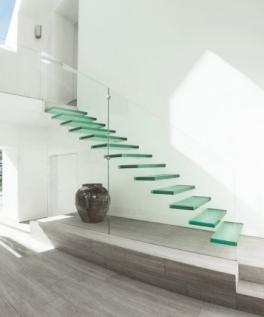 escada-de-vidro-casa-em-winchester-inglaterra-pelos-arquitetos-do-ar-design-608x531