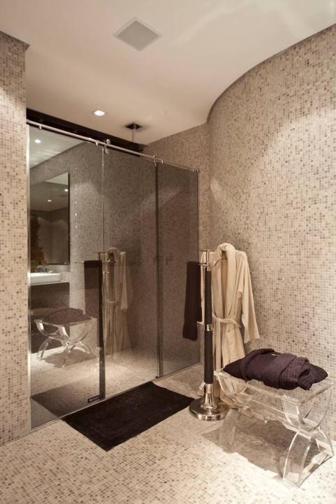 box-espelhado-refletivo-banheiro